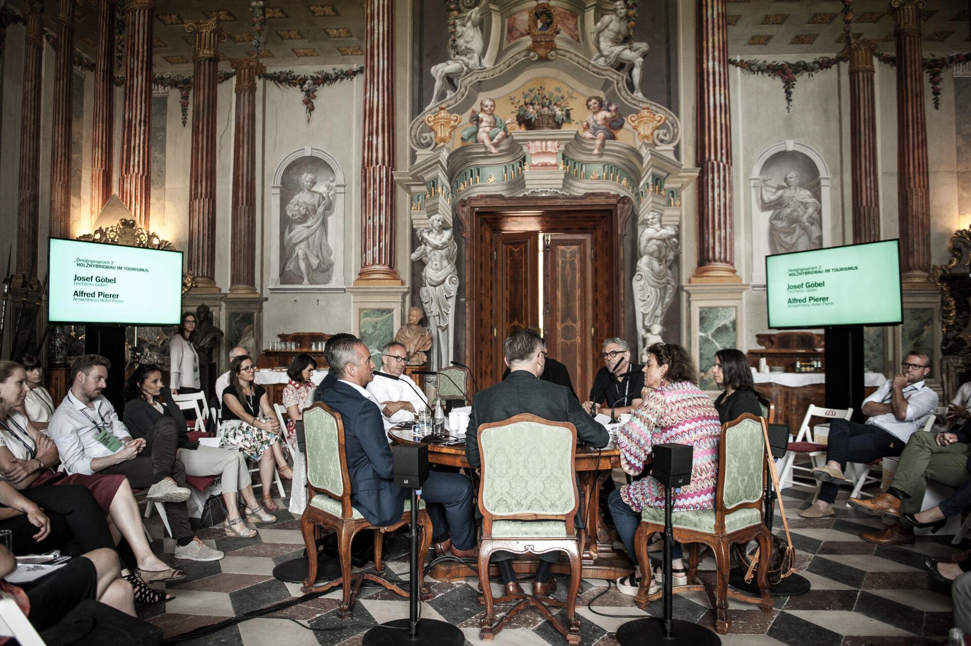 Josef Göbel und Alfref Pierer mit Publikum im wunderschönen Schloss Hollenegg